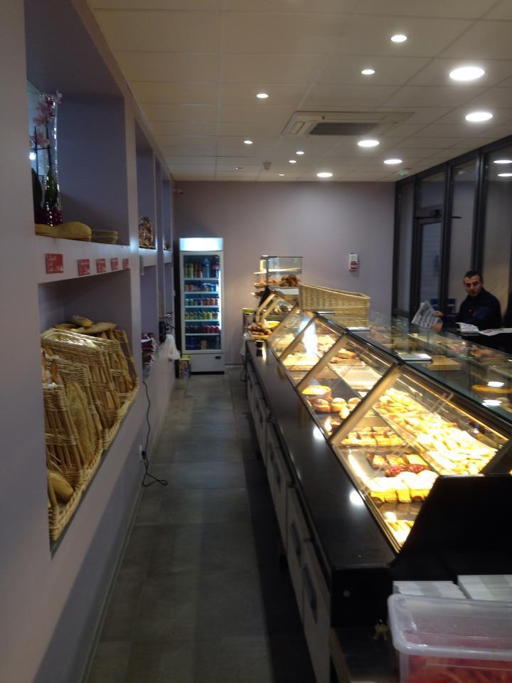 Syst mes d 39 clairage lan on de provence aecp - Cinema salon de provence arcade ...